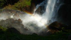 fallparkregnbåge vernal yosemite Royaltyfria Foton
