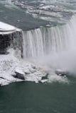 fallsniagara vinter fotografering för bildbyråer