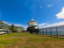 Falmouth Jamaica - Maj 02, 2018: Den Disney för kryssningskeppet fantasin vid den Disney kryssningslinjen anslöt i Falmouth, Jama Royaltyfri Bild