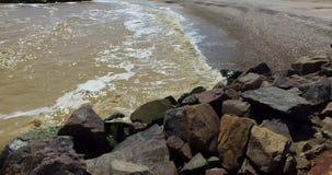 Falochron z skałami zdjęcie wideo