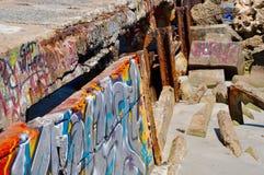Falochron z Uliczną sztuką na plaży: Fremantle, zachodnia australia Fotografia Royalty Free