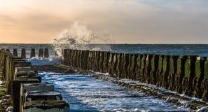 Falochrony przy plażą Zdjęcie Royalty Free