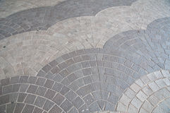 Falowa dachówkowa szarość kamienia płytek podłoga Obrazy Royalty Free