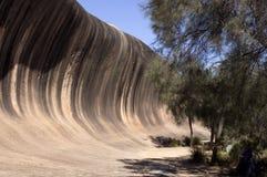 Falowa skała blisko Hyden, WA, Australia zdjęcie stock