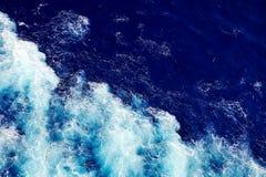 Falowy ocean wody tło Zdjęcie Stock