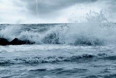 Falsches Wetter auf dem Meer Stockfotos