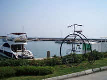 Falsk cykelmonument Arkivfoton