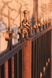Falskt belägga med metall staket Royaltyfri Foto