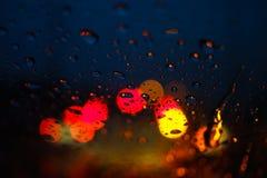 Falta de definición abstracta del bokeh de la luz de la noche Fotografía de archivo