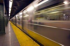 Falta de definición de movimiento del subterráneo de Nueva York Fotos de archivo libres de regalías