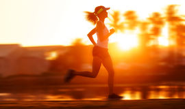 Falta de definición de movimiento sana del entrenamiento del corredor imágenes de archivo libres de regalías