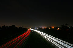 Falta de definición del tráfico de la noche Fotos de archivo libres de regalías