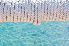 Falta de definici?n en Filipinas una cuerda en barco accesorio del yate como extracto del fondo imagen de archivo libre de regalías