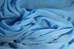 Falten von blauem Chiffon- Lizenzfreies Stockbild