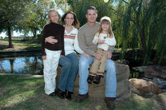 Família americana feliz fotografia de stock royalty free