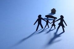 Família com carro e casa Imagens de Stock
