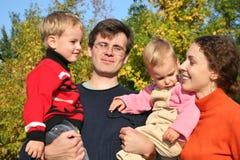Família com crianças Imagem de Stock Royalty Free