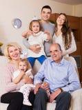 Família com crianças Imagens de Stock Royalty Free