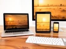Família da edição preta dos dispositivos de comunicação Fotos de Stock Royalty Free