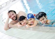 Família da natação imagem de stock royalty free