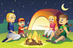 Família de acampamento Fotos de Stock