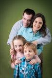 Família de quatro pessoas feliz Fotos de Stock Royalty Free