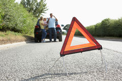 Família dividida na estrada secundária Fotos de Stock Royalty Free
