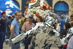 A família do espelho, festival internacional do teatro da rua do B-ajuste, Fotos de Stock Royalty Free