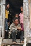Família do Khmer no homem poderoso do Kampong Foto de Stock
