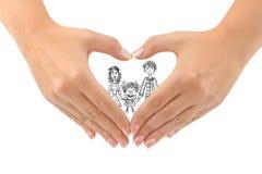 Família e coração feitos das mãos fotografia de stock royalty free