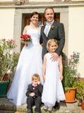 Família em casa recentemente casada fotografia de stock