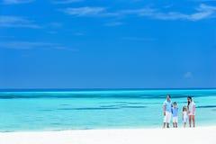 Família em férias da praia do verão Fotos de Stock Royalty Free