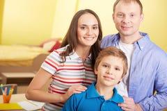 Família em ocasional imagens de stock