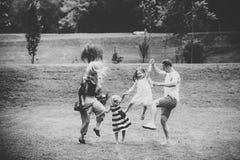 Família engraçada Liberdade, atividade, estilo de vida, conceito da energia fotografia de stock