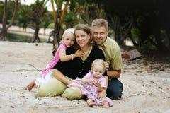 Família feliz ao ar livre fotografia de stock