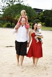 Família feliz ao ar livre Fotos de Stock