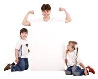 Família feliz com bandeira branca. Imagens de Stock Royalty Free