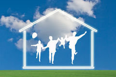 Família feliz com casa Foto de Stock