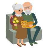 Família feliz da mulher do homem superior que senta-se no sofá com gato fundo branco isolado ilustração do vetor ilustração stock
