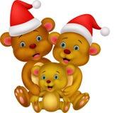 Família feliz dos desenhos animados do urso marrom que veste o chapéu vermelho Fotos de Stock Royalty Free