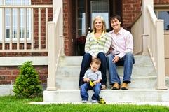 Família feliz em casa Fotos de Stock