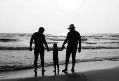 Família feliz fora foto de stock royalty free