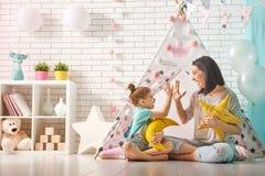 Família loving feliz fotos de stock royalty free