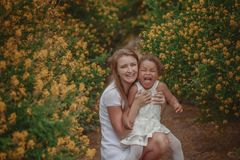 Família misturada Mãe e filha foto de stock