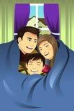 Família que abraça junto Foto de Stock