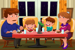 Família que come junto Foto de Stock Royalty Free