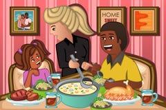 Família que come o jantar junto Imagens de Stock
