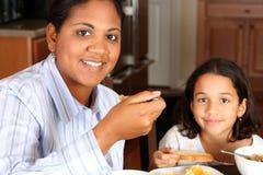 Família que come o pequeno almoço Foto de Stock