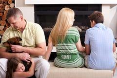 Família que passa seu tempo do lesiure imagens de stock