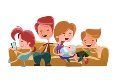 Família que senta-se no personagem de banda desenhada da ilustração do sofá do sofá ilustração royalty free